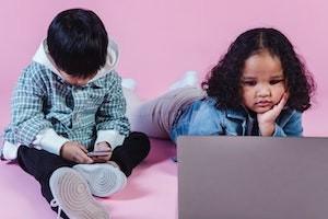 Genitori-e-social-media