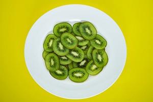 kiwi proprietà benefici ricette